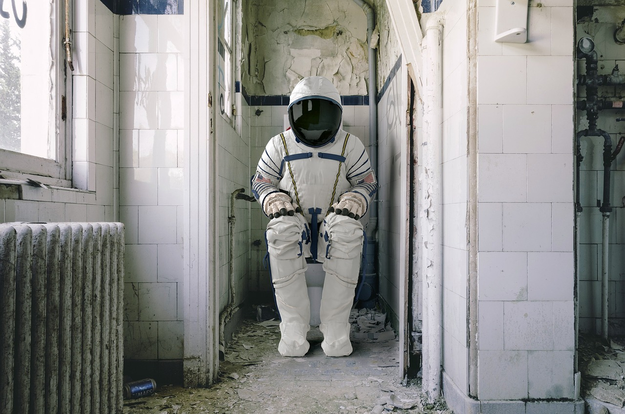 astronaut-4004417_1280.jpg