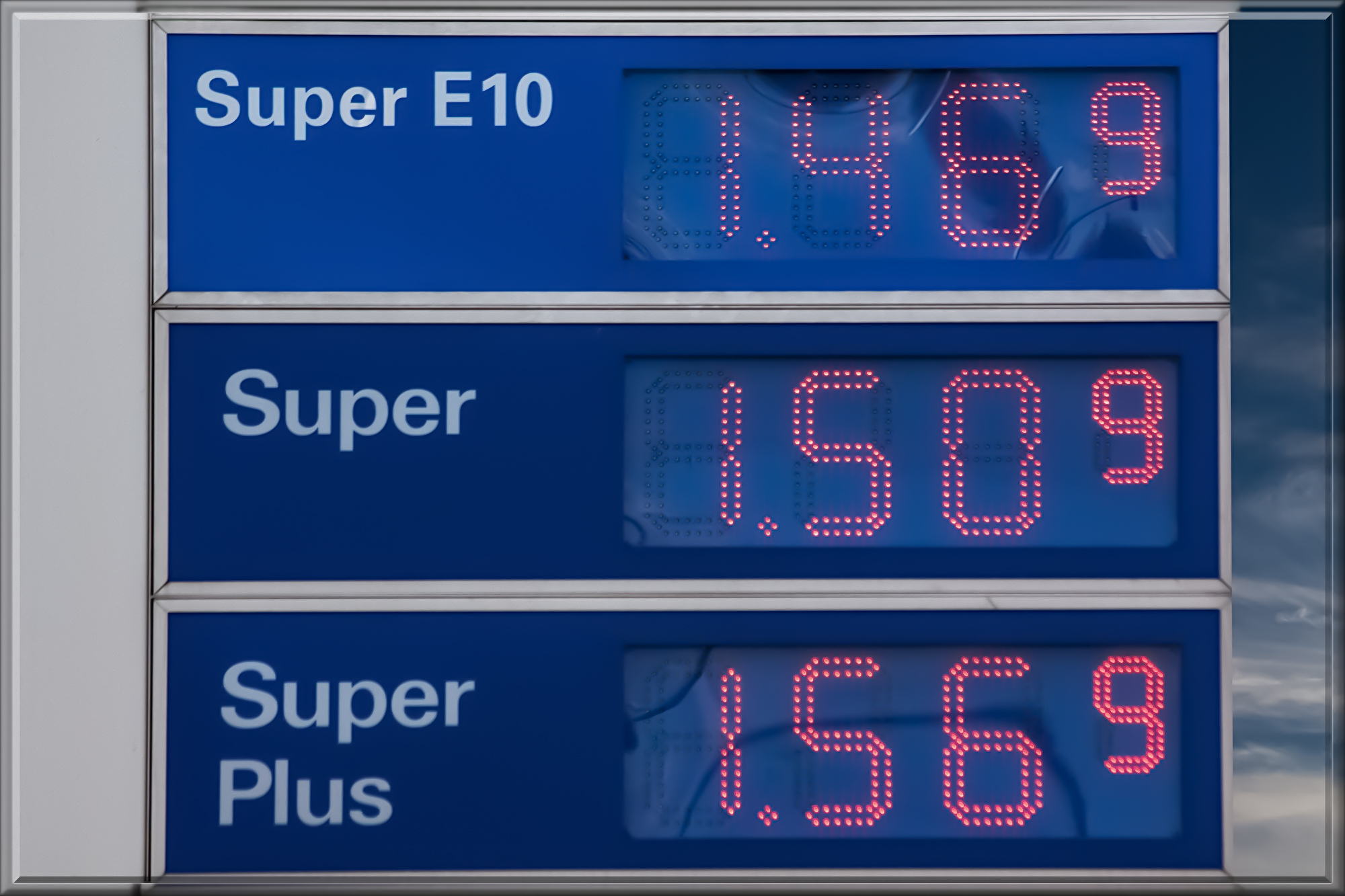 gasoline-prices-206098.jpg